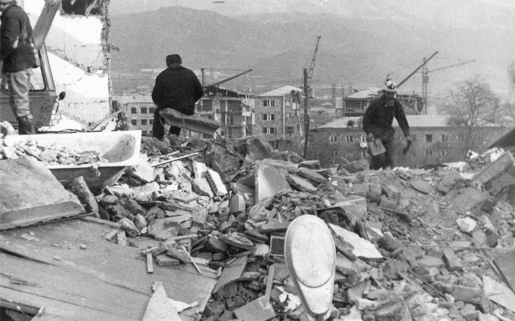 Aardbeving verwoest delen van Noord-Armenië