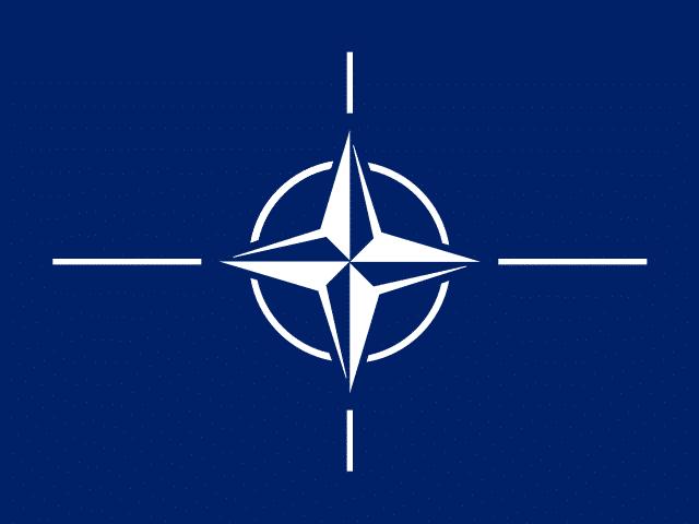 Polen wordt lid van de NAVO