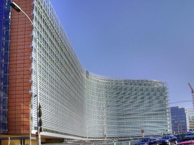 Europese commissie begint procedures tegen Polen