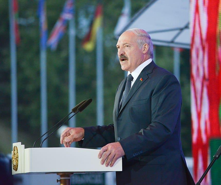 Loekasjenko pleit voor versterking Wit-Russische identiteit